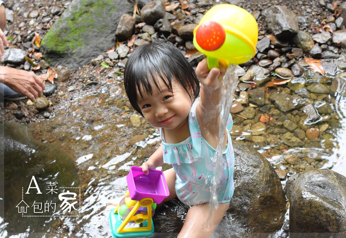 親子景點| 陽明山夏日溪邊玩水